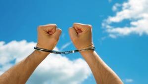cloud-handcuffs4233-620x354